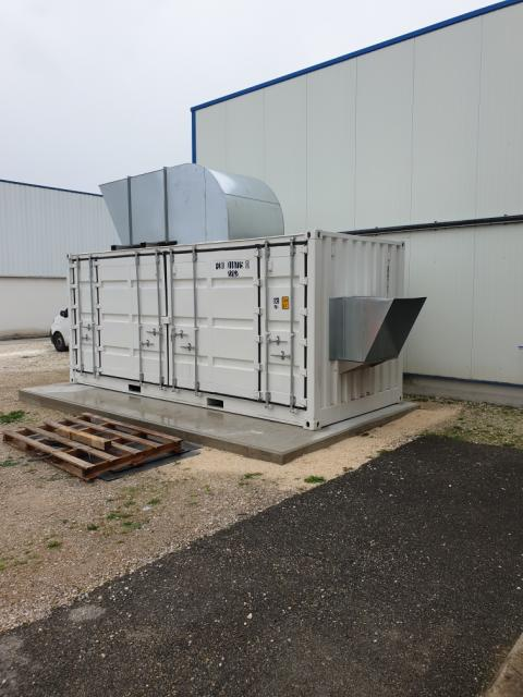 Air cooled compressor version build in container